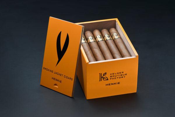 Henkie cigar by Smoking Jacket