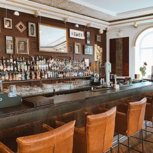 D'Boiss Bespoke Club whisky and gin bar